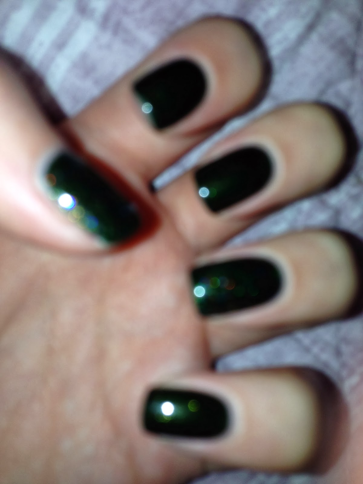 The Little Blonde Beauty Blog ♀: Shellac- 'pretty Poison