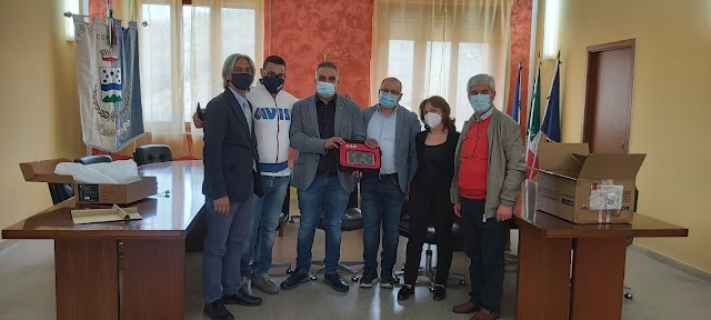 BIANCHI, Rotary club dona defibrillatore