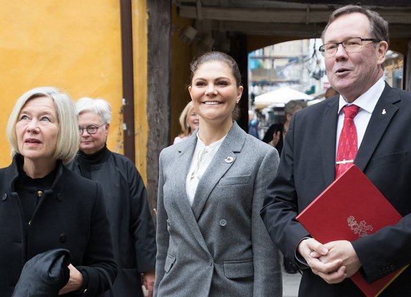 Princess Victoria wore ERDEM and H&M Wool Pantsuit. Erdem and H&M Collaboration. HM Conscious Exclusive Collection Spring 2018