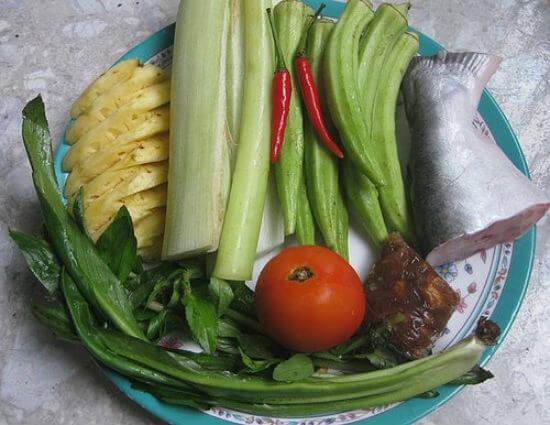 Các bước làm món canh chua cá basa