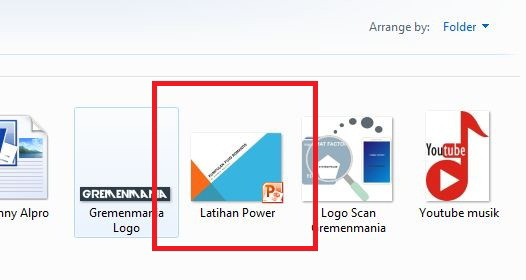 Pertama, buka file Power Point Sobat yang akan di ubah ke Word.