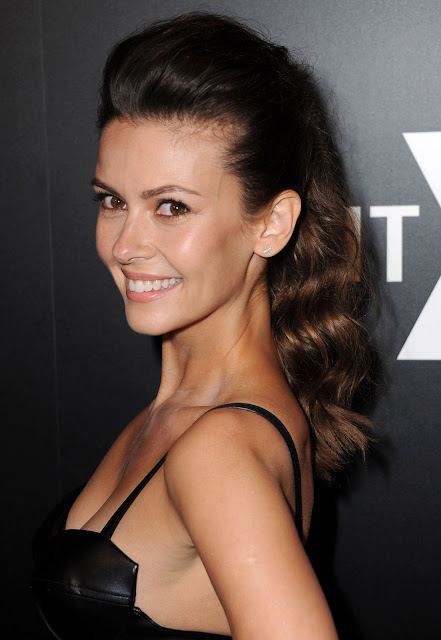 Olga Fonda Hot Pics and Bio