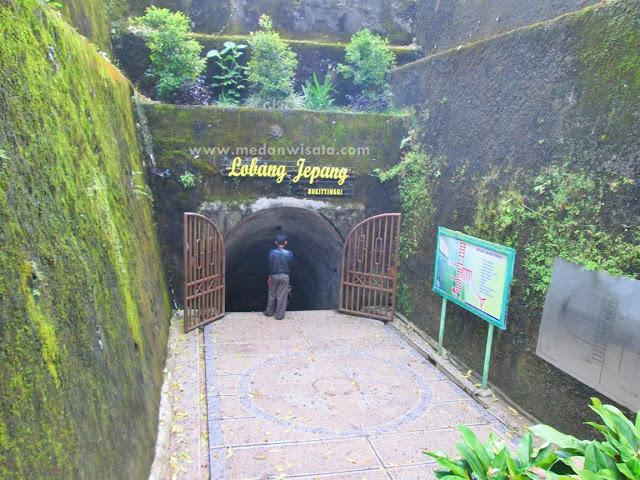 Dingin Nan Horor Lobang Jepang di Bukit Tinggi
