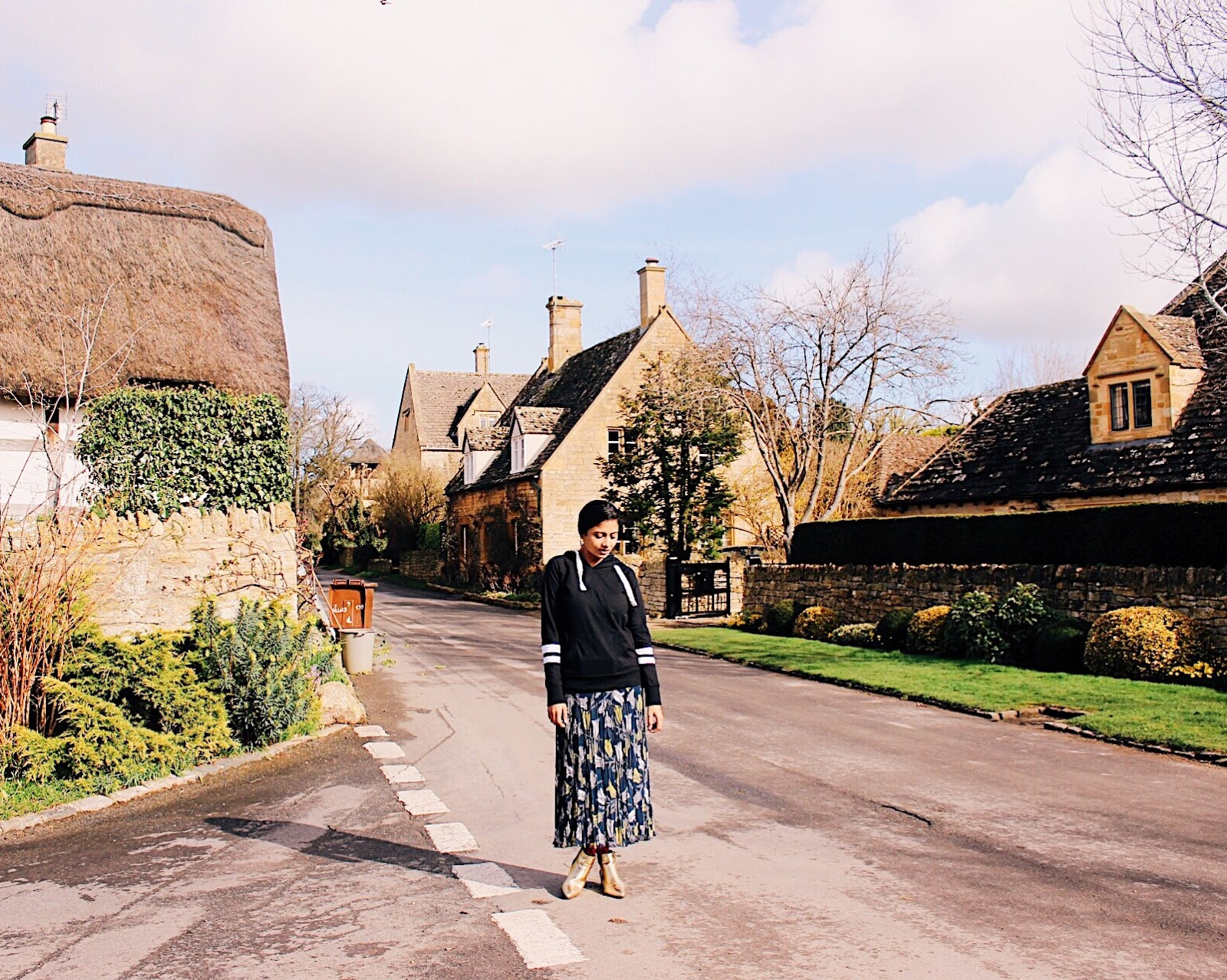 cotswolds, english countryside, what to wear to cotswolds, wear in cotswolds, wear in countryside, tulip print, matching set, coord skirt, matching skirt set, ss17, east, east review, east clothing, east uk, east matching set, jacket and skirt set, effortless, chic outfit, wear in spring in england, england spring outfit, wear in the uk, wear in the uk in spring, feminine outfit, effortless feminine chic, european style, wear in europe, english, british, top indian blog, indian travel blog, indian luxury blog, indian fashion blogger, delhi blogger, delhi travel blogger, uk blog, london style, shades of blue, spring florals, spring outfit 2017, elegant spring outfit