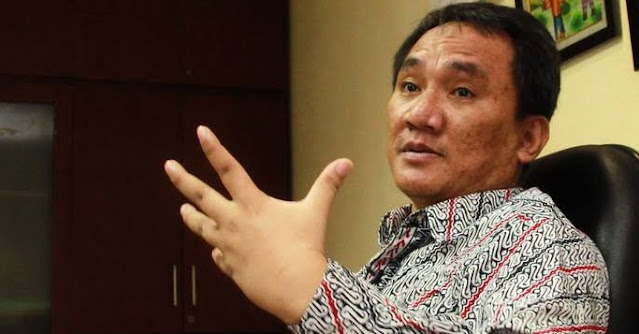 Andi Arief: Pak Jokowi, Apa Benar Ada Data Separuh Warga DKI Terinfeksi Covid-19?