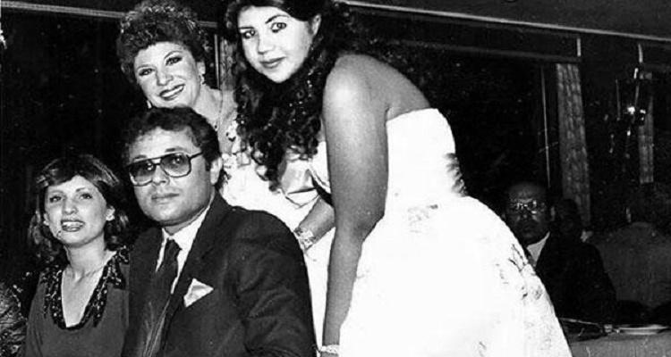 صورة قديمة لمحمود عبد العزيز تكشف حقيقة حالته الإجتماعية و عدد زوجاته