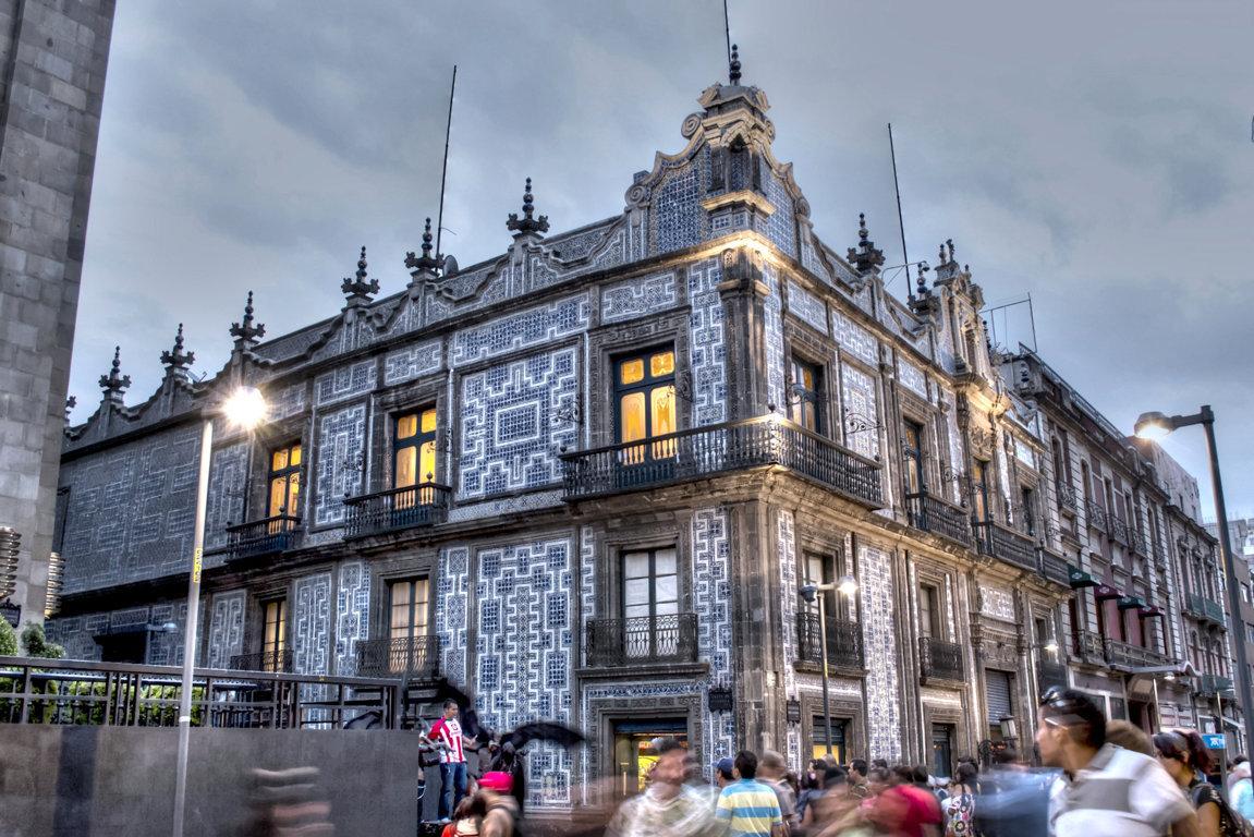 La cdmx recibir m s de 2 millones de turistas este verano for Casa de los azulejos en mexico