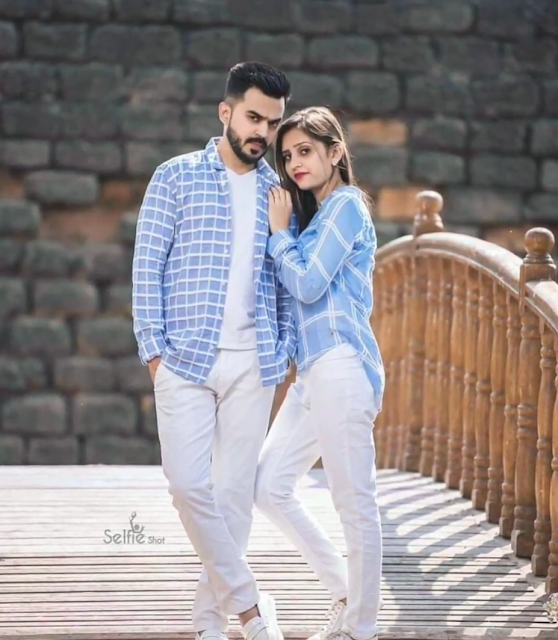 Stylish Photo Pose For Couples