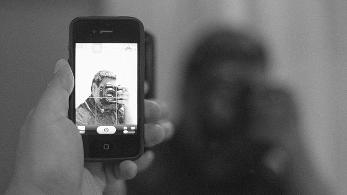 The Science of #Selfie: Get More Commnets on Your Posts - #infographic #socialmedia