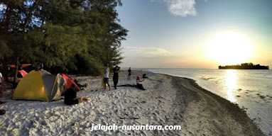 aktivitas camping pulau perak