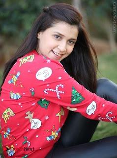 Actress Mannara Chopra Latest Poshoot Gallery  0003.jpg