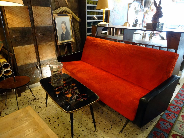Brocante D Coration Un Nouveau Monde Salon Vintage Ann Es 60 Noir Et Rouge