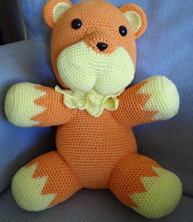 http://translate.googleusercontent.com/translate_c?depth=1&hl=es&rurl=translate.google.es&sl=en&tl=es&u=http://crochetnanigans.wordpress.com/2014/05/18/saber-lion-plush-big-version-pattern/&usg=ALkJrhhIPOBxpML1NC8AeWPRbfiynaMIdg