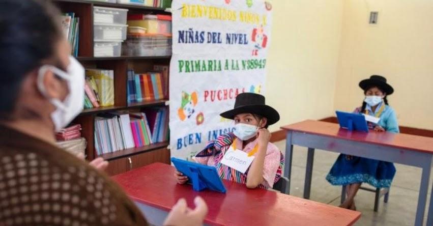 MINEDU: Más de 25 mil colegios se encuentran habilitados para el retorno a clases semipresenciales