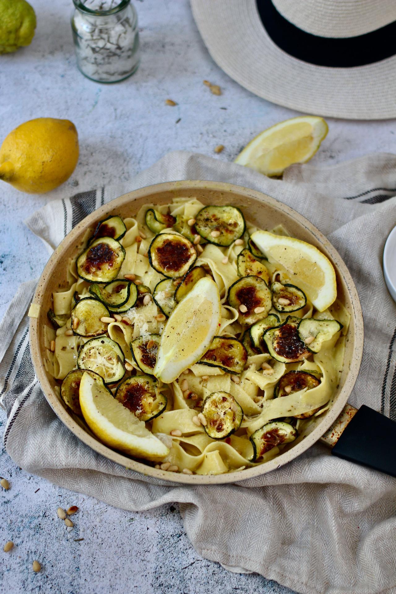 Zitronen-Zucchini-Nudeln