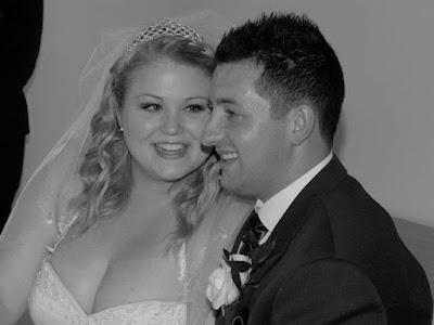 wedding day, wedding, marriage, wedding photo, wedding photography, black and white, love, happy, smile, blonde, bride, groom, through amis eyes, thorughamiseyes,