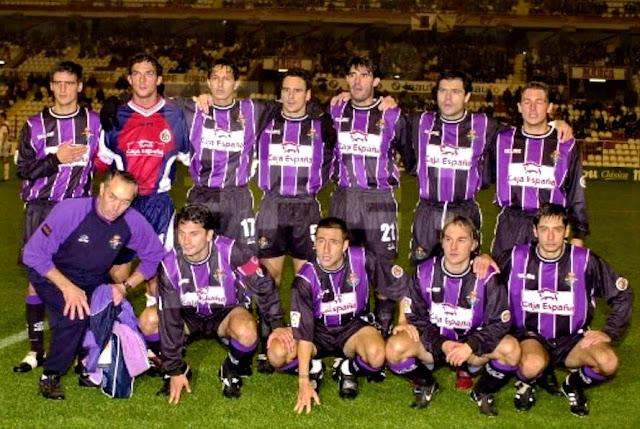 REAL VALLADOLID C. F. - Temporada 2000-01 - Richetti, Ricardo, Peña, García Calvo, Caminero, Alberto y Heinze; Aramayo (masajista), Torres Gómez, Marcos, Chema y Ciric. A. D. RAYO VALLECANO 2 (Setvalls, Bolic) REAL VALLADOLID C. F. 1 (Heinze). 05/11/2000. Campeonato de Liga de 1ª División, jornada 9. Madrid, estadio Teresa Rivero.