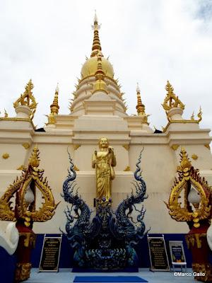 TEMPLO AZUL WAT RONG SUEA TEN. CHIANG RAI, TAILANDIA