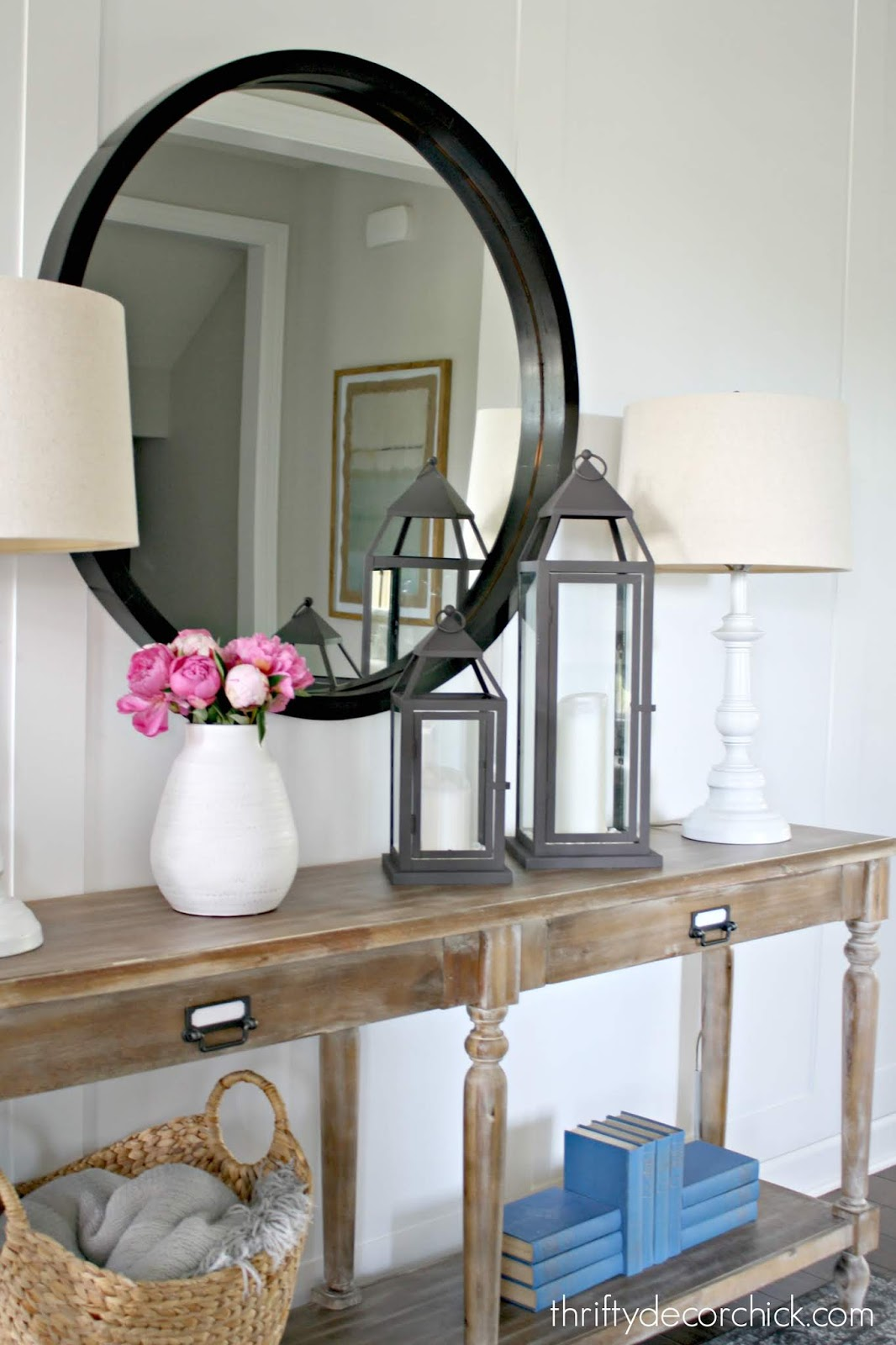 Decorating entry table ideas
