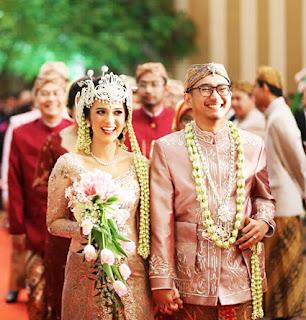 Tradisi Upacara Prosesi Acara Pernikahan  Tempat Wisata Tradisi Upacara Prosesi Acara Pernikahan ( perkawinan ) Adat Sunda Jawa Barat