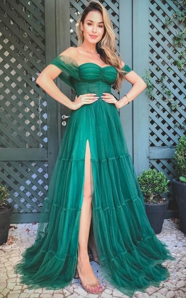 vestido longo verde esmeralda com fenda para madrinha de casamento