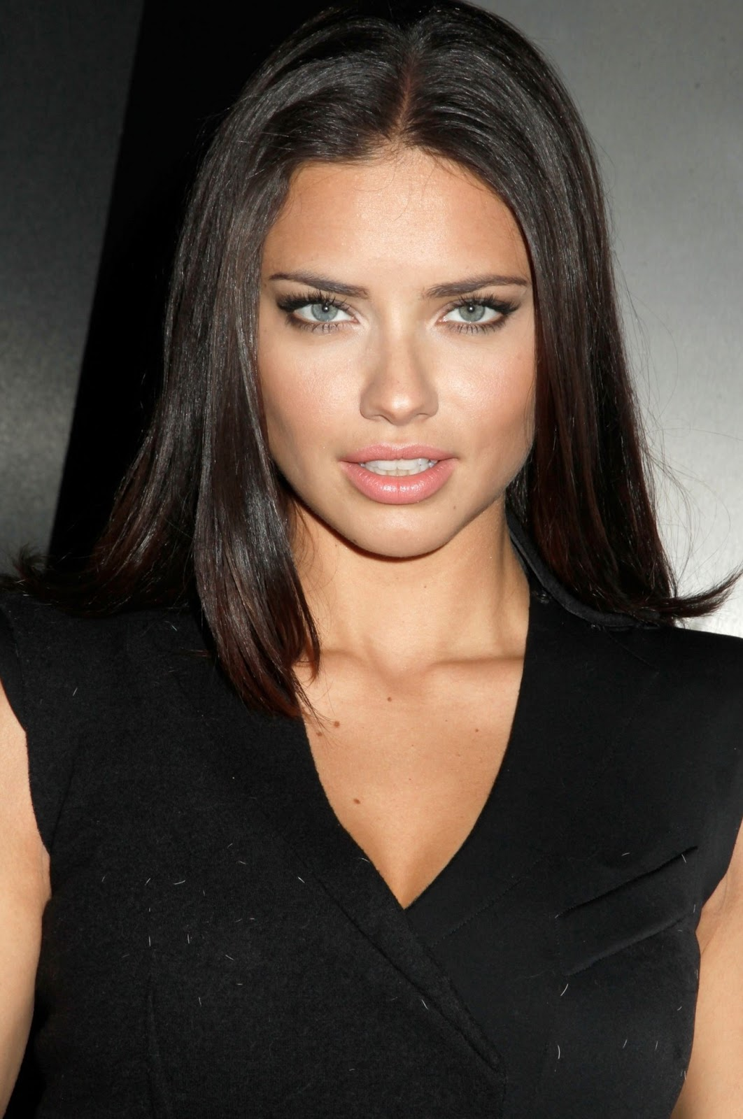 Adriana Lima Posts - Celebrity Gossip and Entertainment ...