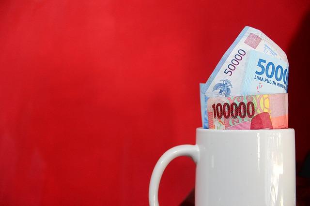 Fotografi Bagus dan Menarik Uang Kertas Rupiah