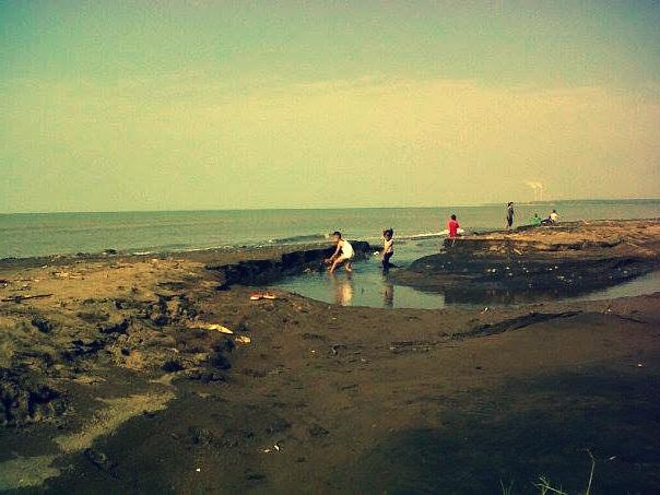 Pantai Beringin