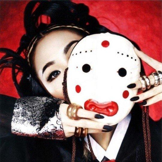 CL Chuseok için havalı bir hanbok fotoğrafı yükledi
