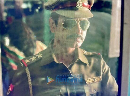 Raat Akeli Hai Movie Images 1