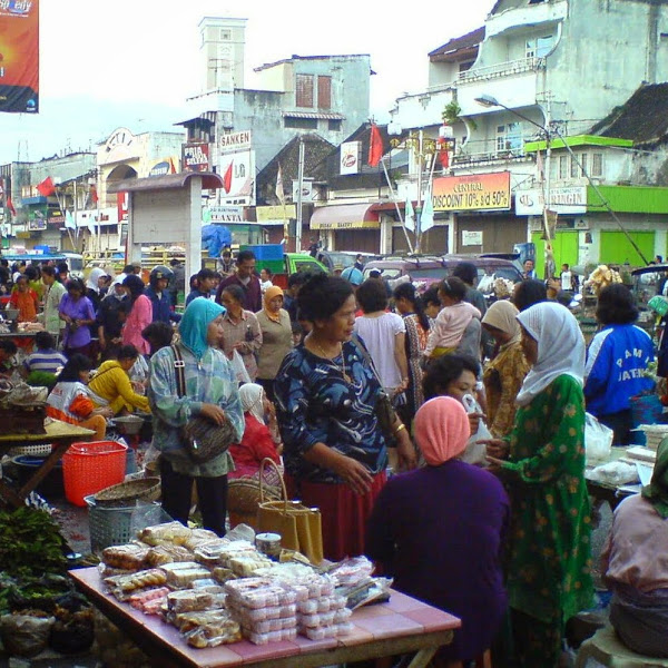 Berbelanja ke Pasar Pagi Salatiga