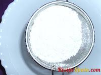 Dry flour, yeast and cornstarch