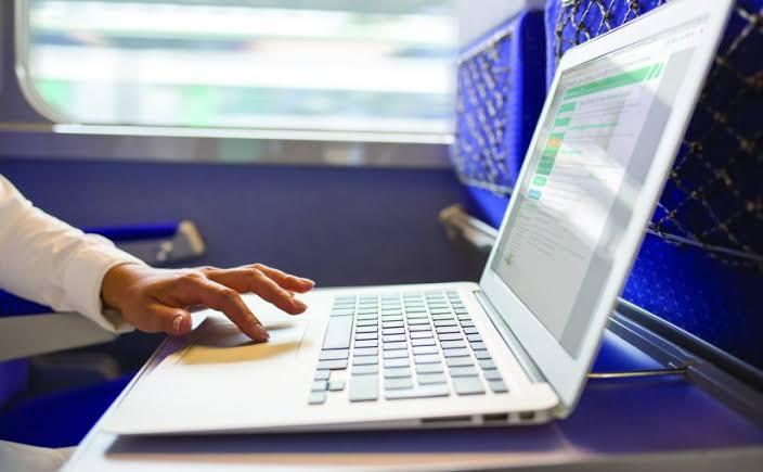 الآداب والأخلاق على الإنترنت - فلوس وأموال
