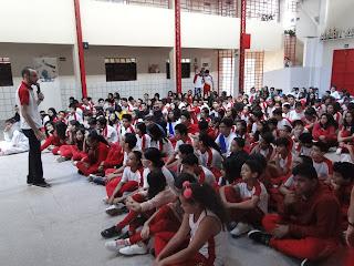 Alunos do CSJD encenam a Paixão de Cristo no colégio