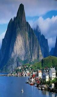 Download Wallpaper Pemandangan Pegunungan