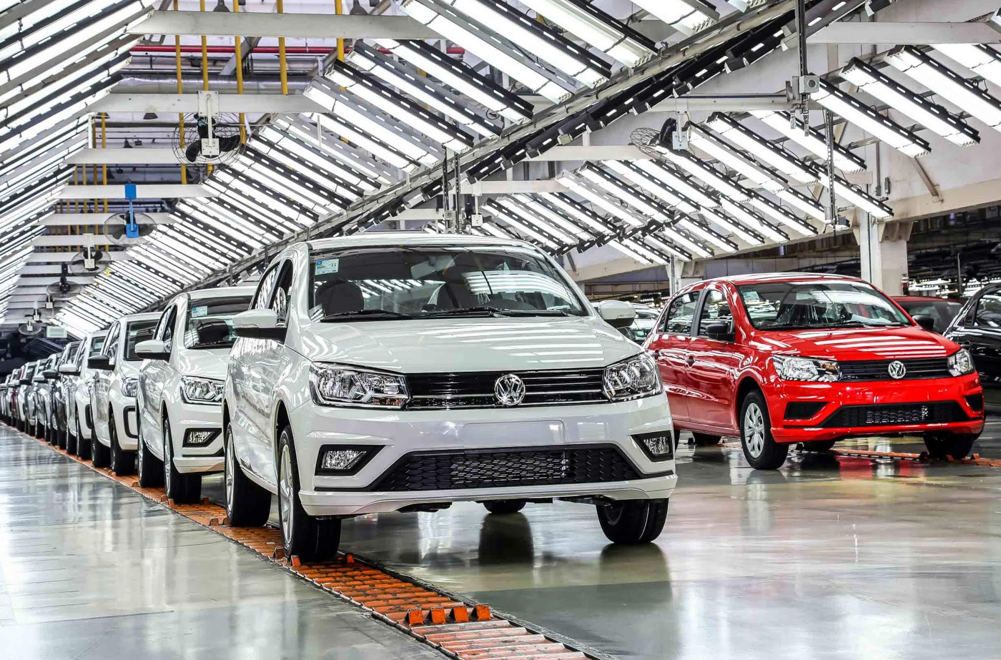 VW prorroga férias coletivas dos funcionários da fábrica do Gol e Voyage