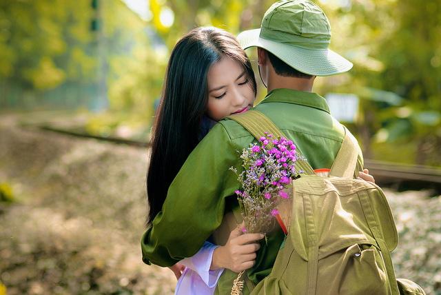 Tâm sự của cô gái trẻ chỉ thích yêu và lấy chồng là bộ đội