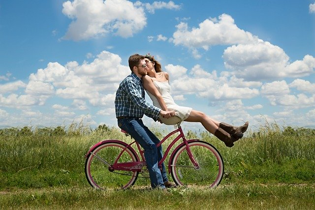عبارات انجليزية للتعبير عن الحب والرومانسية