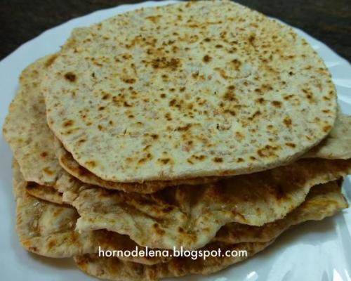 Pan chapati en horno de leña