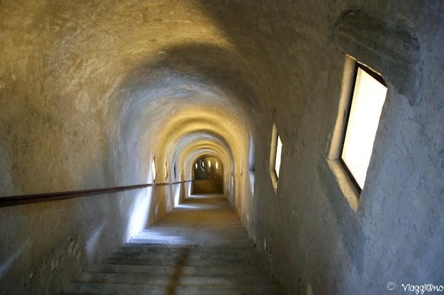 Scala verso le prigioni del Forte di Bard