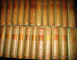 Historia de España y de las Repúblicas Latinoamericanas.  25 tomos, 290 pp. aprox. cada volúmen, cerca de 8000 páginas en total. Con abundantes ilustraciones y láminas en negro y en color fuera de texto.