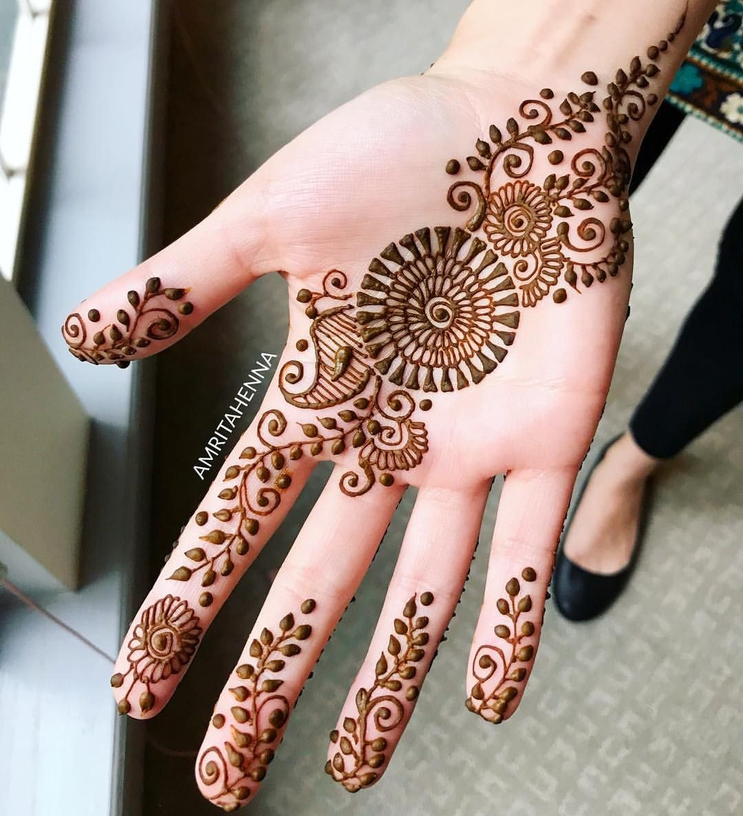 mehandi cone designs simple