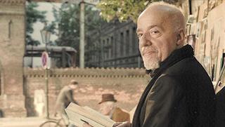 Πάουλο Κοέλιο: Ποτέ μην εγκαταλείπεις… σήκω και περπάτα