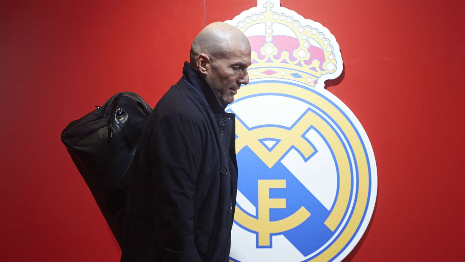 Zidane refuses to talk about El Clásico and Mbappe before facing Valencia
