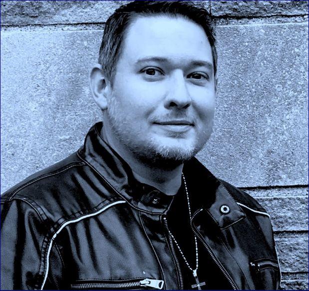Penulis terlaris internasional Ethan Cross adalah Penulis The Story Plant of the Month