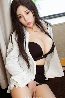 Hot and sexy photos of beautiful busty asian hottie chick Chinese model Wang Shi Shi photo highlights on Pinays Finest Sexy Nude Photo Collection site.