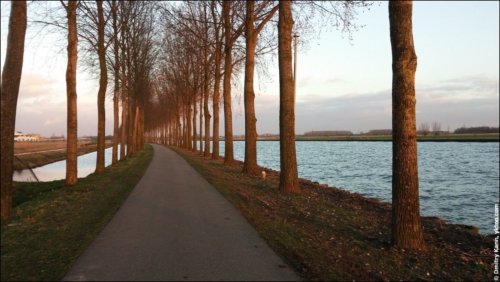 March. The Amsterdam-Rijnkanaal is on the right.