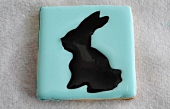 Easter bunny silhouette cookies @www.thecookiecouture.com