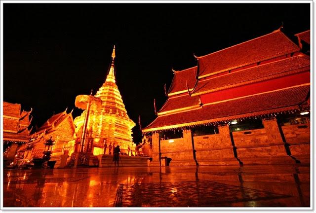 Храм Wat Doi Suthep в Чианг Мае, Тайланд