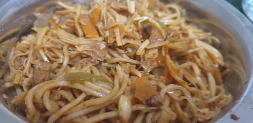 veg noodles with soybean chunks